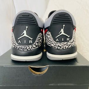 Jordan Legacy's 312 'bred' (size 4.5youth/6womens
